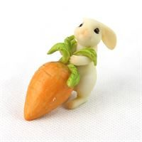 fairy garden accessories- bunny with carrot